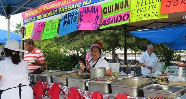 La Chef Rosita Robles, presente con los mejores potajes de la gastronomía criolla y andina. Los cuyes asados fueron una delicia y se lució con su asado de cordero.