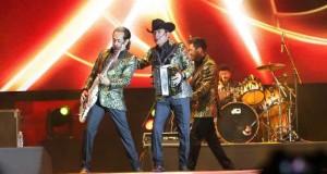 La agrupación mexicana, Los Tigres del Norte, en visita musical a los EEUU.