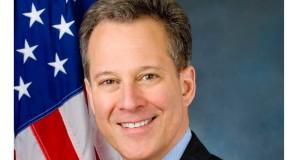 El fiscal general de Nueva York, Eric Schneiderman, concluye investigación sobre robo de salarios en Peekskill.