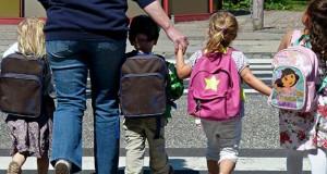 Los padres de familia deben planificar el retorno a las clases de sus queridos hijos.