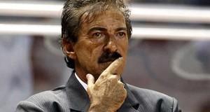 Ricardo La Volpe es oficialmente el técnico del América.